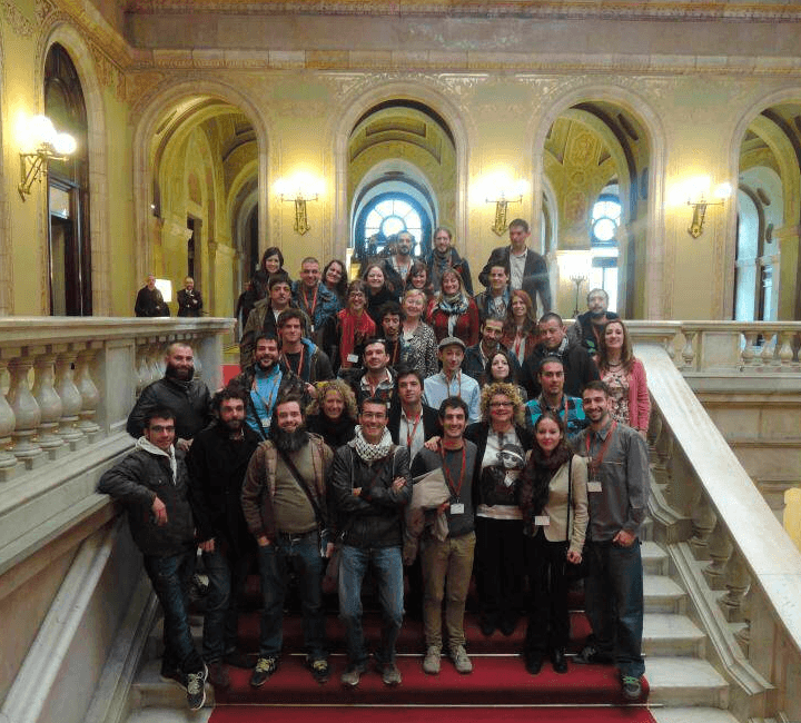 Les militants de FEDCAC et CatFAC au Parlement catalan — photo CatFAC