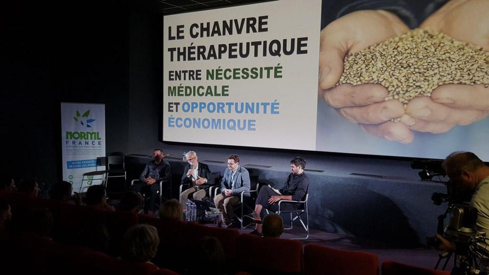Cannabis médical en Creuse : le cinéma bondé pour la réunion d'information à Guéret