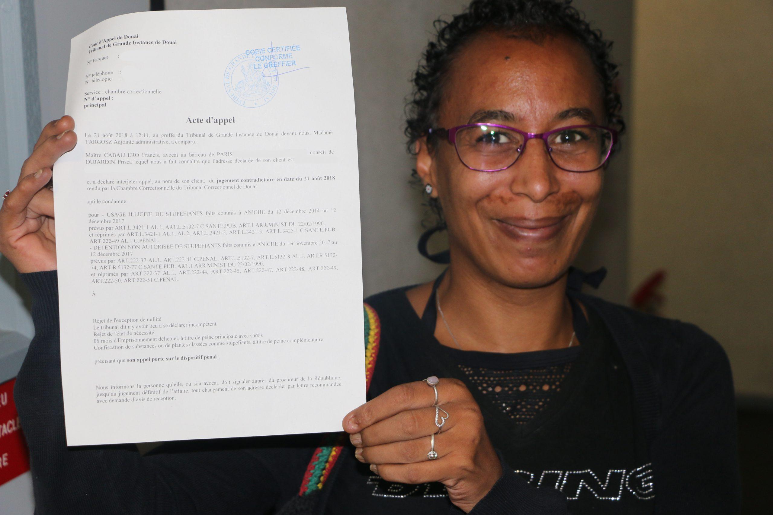 Affaire Prisca : Elle se soigne au cannabis, elle est condamnée, elle fait appel
